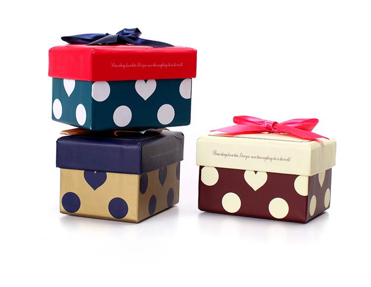 Fashion square box for gift/lid and bases box/Jewelry box with ribbon/Perfume box/Polka Dot Box/Necklace boxes in EECA packaging China