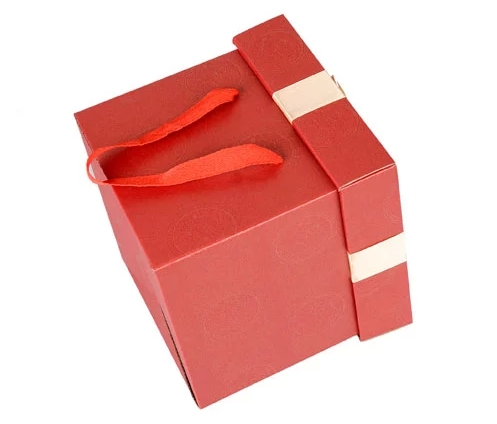 Fancy custom rectangular gift box/square storage box/packaging box with handle wholesale Supplier in EECA