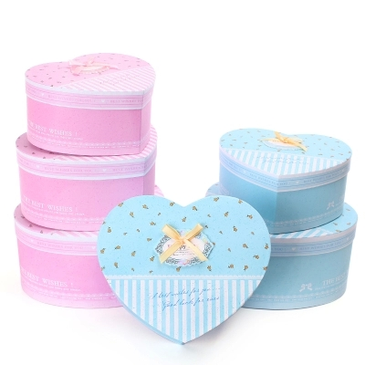 Custom colorful heart shape garment gift box heart shape box for candy heart-shaped cartons packaging wholesale in EECA China