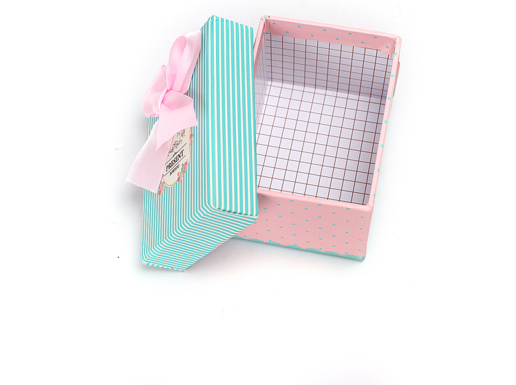 2017 Fashion square box/lid and bases boxes/Chocolate box/candy box with ribbon/Perfume boxes/Polka Dot Box/Necklace boxes in EECA China