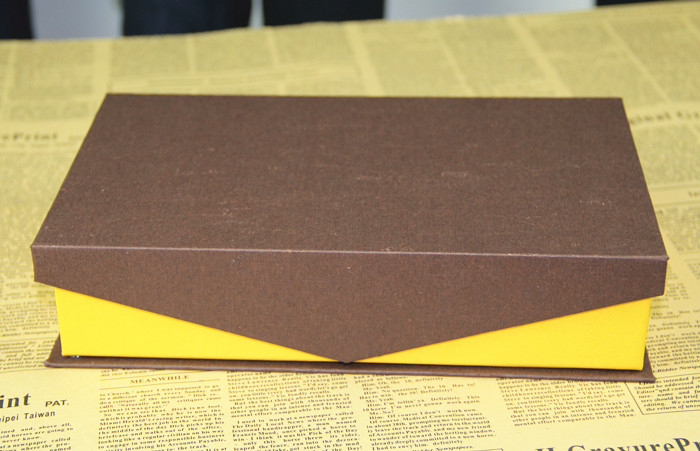 Hot sale foldable gift box/packaing paper box/yellow folding Paper box for belt made in EECA China